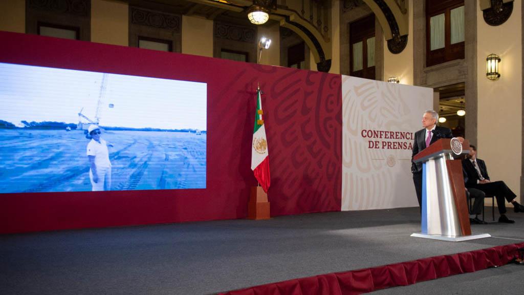 Señalados por AMLO de contratar 'bots' para atacar a prensa desmienten acusaciones - AMLO Andrés Manuel López Obrador conferencia 04102019