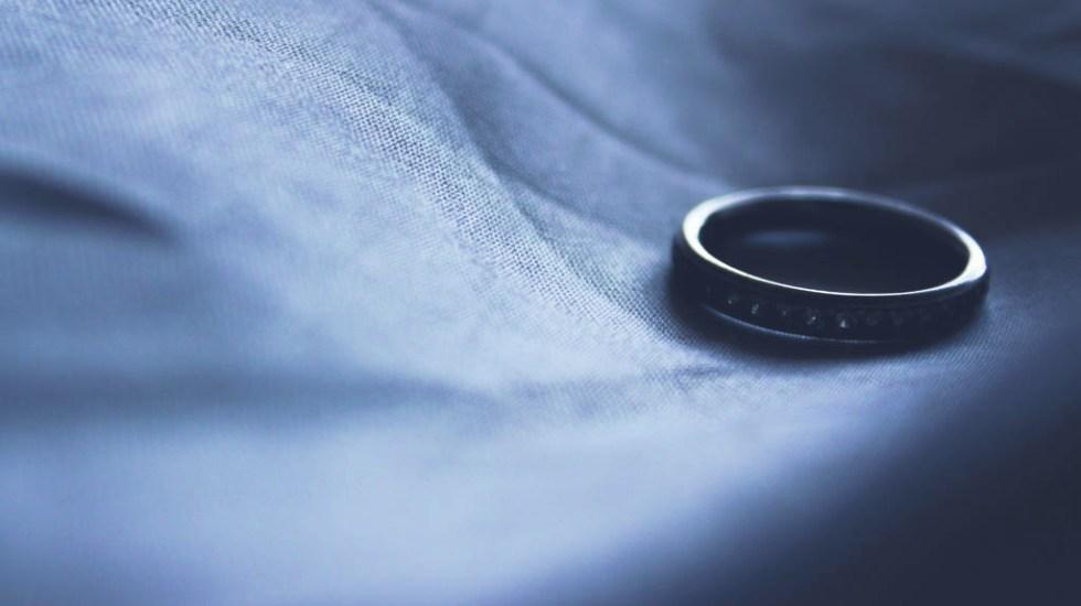 Buscan frenar alta tasa de divorcios en Florida - Anillo de compromiso divorcios boda