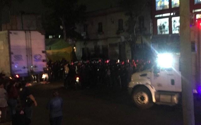 Motociclistas persiguen y asesinan a conductor en Tepito - Asesinan a conductor en Tepito