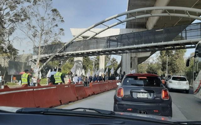 Manifestantes bloquearon autopista México-Cuernavaca - Foto de @cervancar