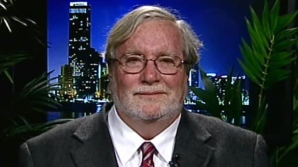 Detienen a profesor experto en crimen organizado por lavado de dinero - Bruce Bagley profesor Miami