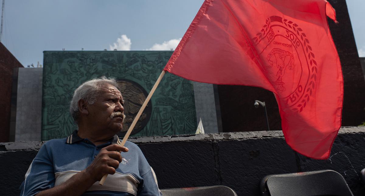 Campesinos bloquean San Lázaro