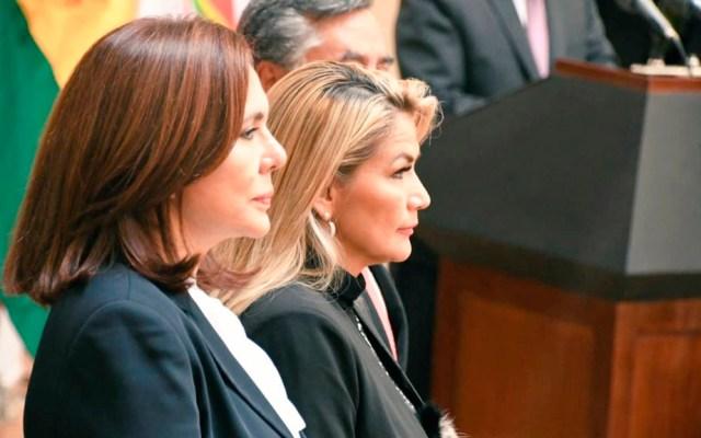 Cancillería de Bolivia desconoce orden de Interpol hacia Morales - Canciller interina junto a presidenta interina de Bolivia. Foto de @MRE_Bolivia
