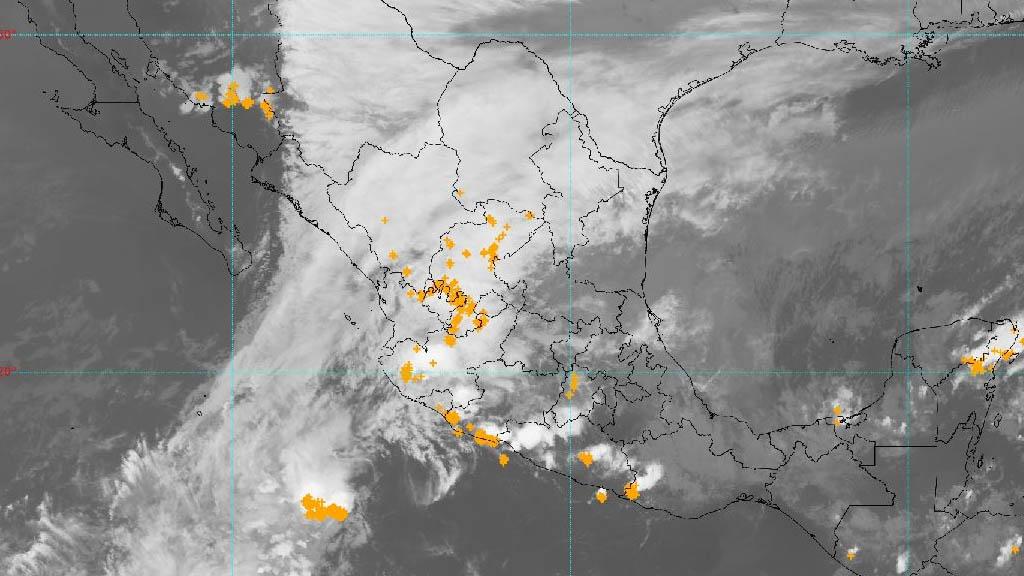Prevén caída de aguanieve en sierras de Chihuahua y Durango - Clima frío lluvia gélida México