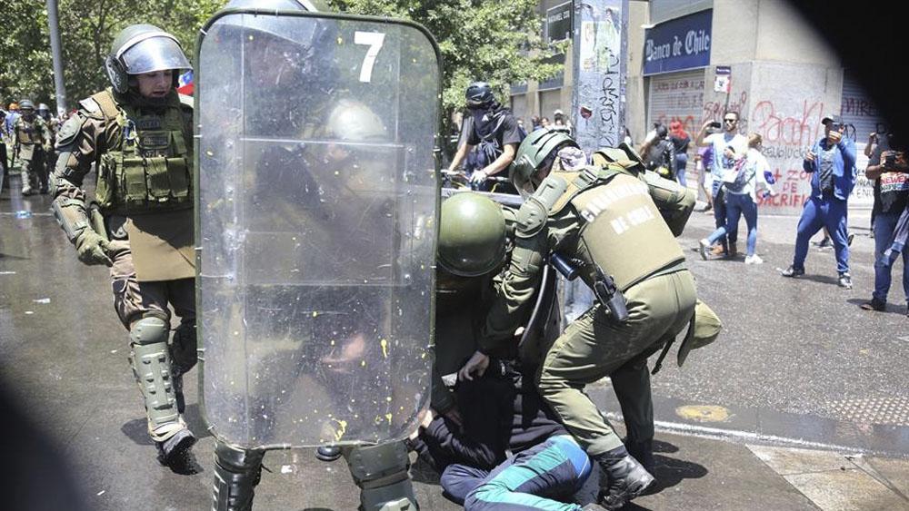 Suman más de 18 mil detenidos por manifestaciones en Chile - Suman 18 mil los detenidos por manifestaciones en Chile