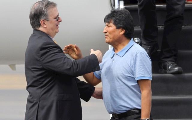 """Llega Evo Morales a México; """"me salvaron la vida"""", dice - Foto de EFE/ Mario Guzmán."""
