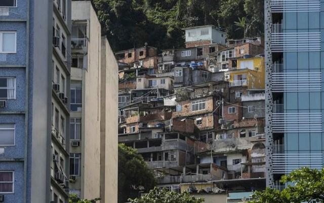 Mueren nueve personas durante persecución policiaca en Brasil - favelas más prósperas de Brasil se unen para emprender