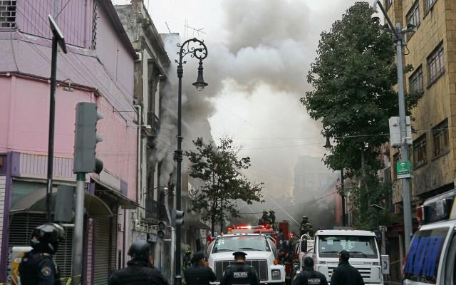 Bomberos sofocan en su totalidad incendio en el Centro de la Ciudad de México - Incendio en la colonia Centro de la Ciudad de México. Foto de Notimex