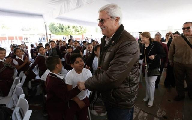 Jaime Bonilla evade a la prensa en evento público - Jaime Bonilla Baja California evento