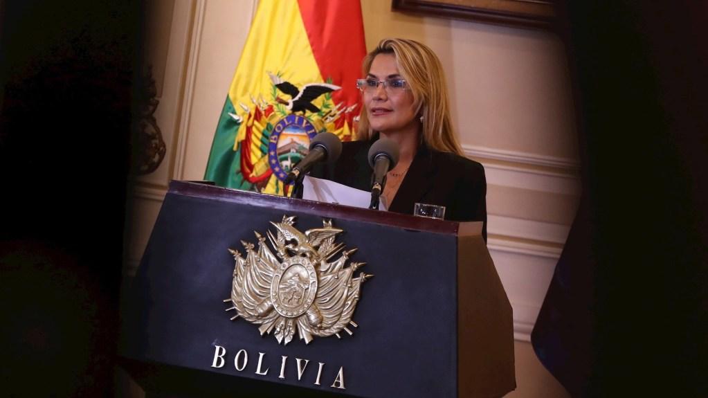 AMLO 'valora' reconocimiento a Jeanine Áñez en Bolivia - Jeanine Añez. Foto de EFE/ Rodrigo Sura.