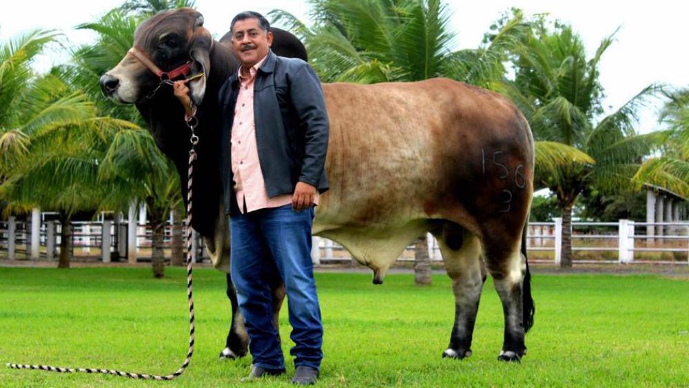 Expresan condolencias por asesinato de Juan Carlos Molina - Foto de Juan Carlos Medina Palacios