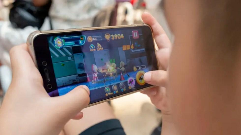 China impone límite diario de videojuegos móviles a menores - China impone límite diario de videojuegos móviles a menores