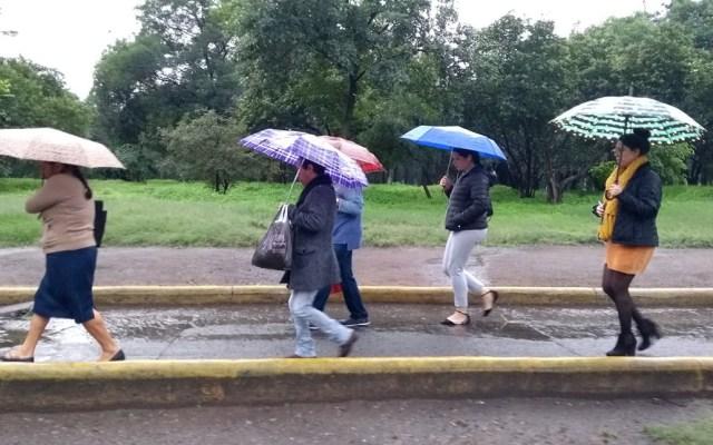 Prevén lluvias dispersas e intervalos de chubascos en el Valle de México - Lluvia en la Ciudad de México. Foto de LDD