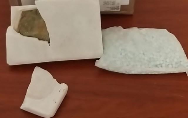 Aseguran mil 700 pastillas de fentanilo dentro de losa de mármol - Losa de mármol que ocultaba pastillas de fentanilo. Foto de Guardia Nacional