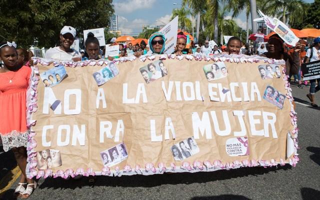 Al menos 3 mil 529 mujeres fueron víctimas de feminicidio en América Latina en 2018 - Marcha contra la violencia de género en República Dominicana. Foto de EFE