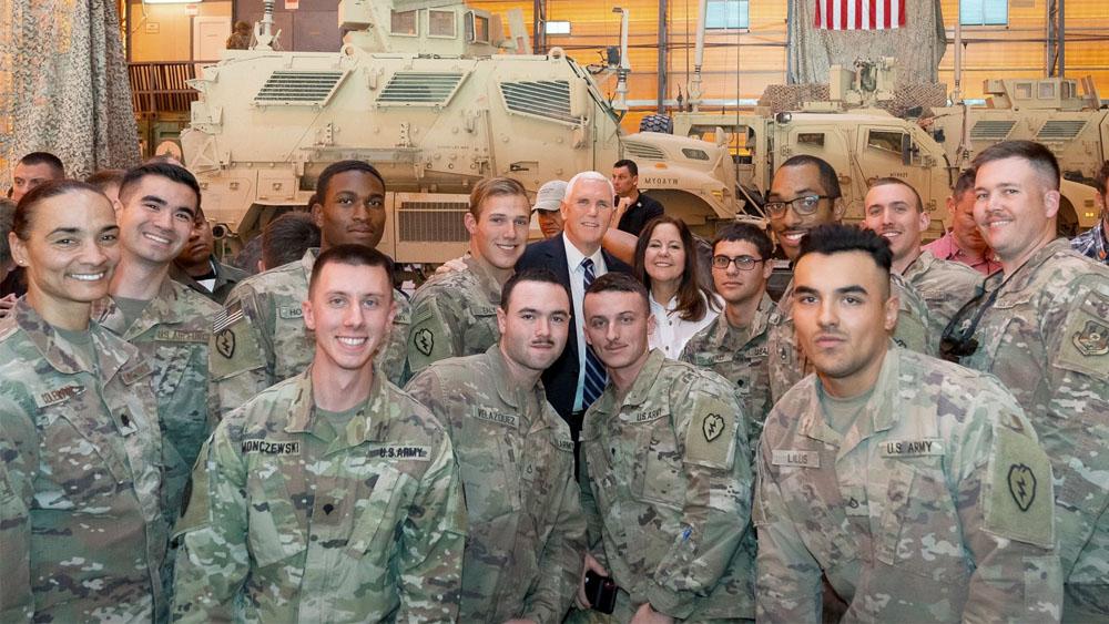 Pence realiza visita sorpresa a tropas de EE.UU. en Irak - Pence realiza visita sorpresa a tropas de EE.UU. en Irak
