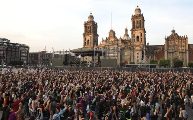 Realizan performance en diversas ciudades del mundo contra violencia de género - Foto de EFE