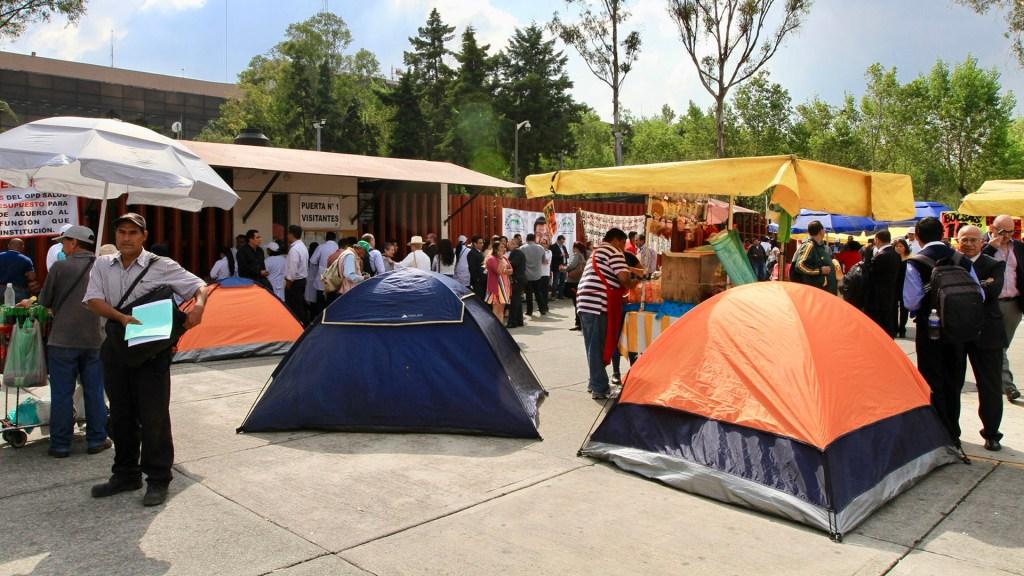 Consejo Agrario se unirá a campesinos para plantón en San Lázaro - Plantón afuera de la Cámara de Diputados. Foto de Notimex