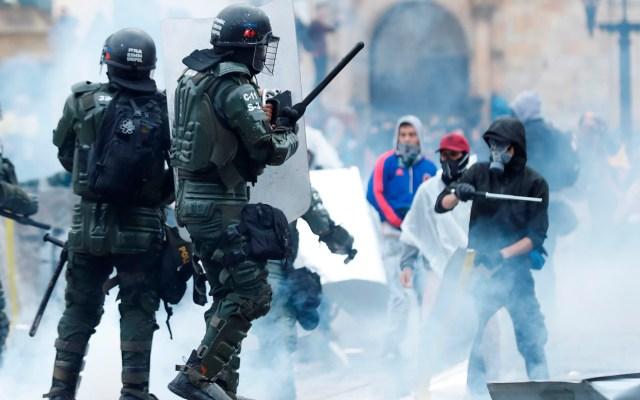 Paro Nacional en Colombia deja tres muertos y 98 detenidos - Presunto uso de fuerza excesiva en protestas de Colombia. Foto de EFE