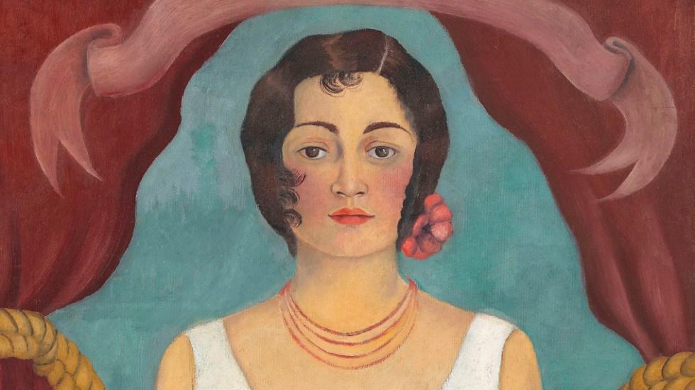 Pintura de Frida Kahlo alcanza precio récord en subasta - Retrato de una mujer de blanco. Foto de EFE