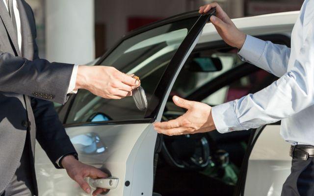 Cae 8.92 por ciento venta de autos en octubre - Venta de auto. Foto de 1lockers
