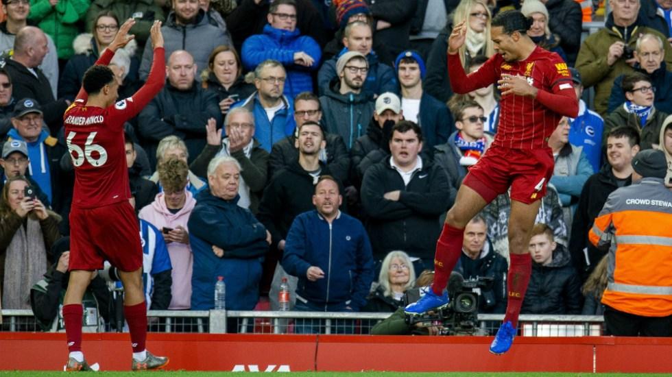 Van Dijk amplía la ventaja del liderato de Liverpool en Premier - Foto de EFE