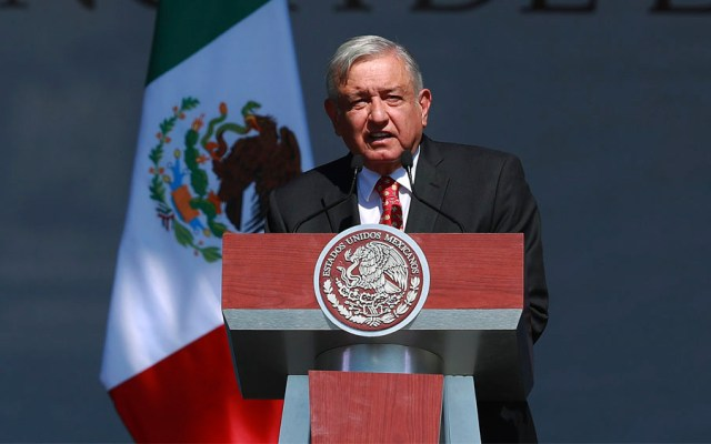 Bajó 4 puntos aprobación de AMLO durante su primer año de gobierno: Mitofsky - Andrés Manuel López Obrador
