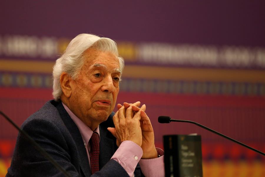 Vargas Llosa: Estados Unidos tiene un desinterés absoluto en América Latina - Mario Vargas Llosa (EFE).