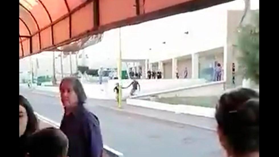 #Video Guardia de seguridad muere al defender a paciente en IMSS Cajeme - Balacera en IMSS Cajeme, Sonora. Captura de pantalla