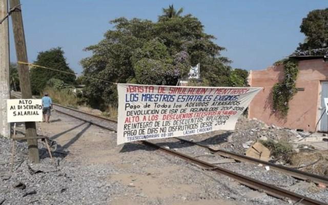 CNTE bloquea vías de tren en Lázaro Cárdenas, Michoacán - Foto de El Sol de Zamora
