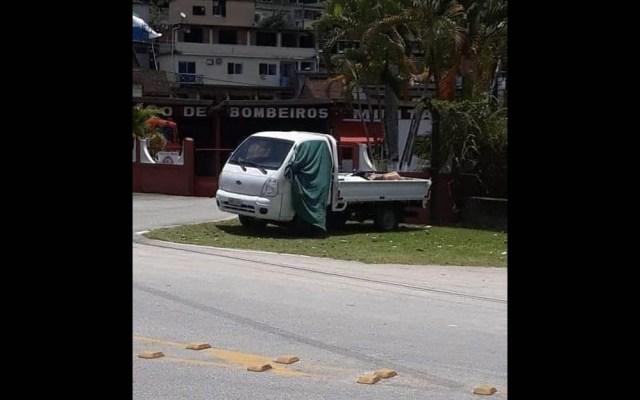 Hallan camión con siete cuerpos en Río de Janeiro - Brasil Río de Janeiro camión