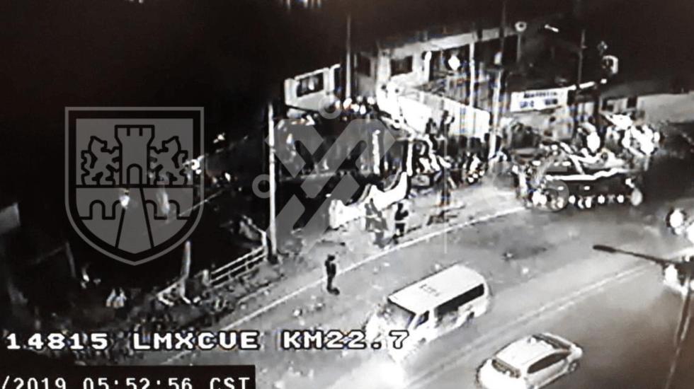 Choca tráiler contra varios autos en la México-Cuernavaca; hay varios lesionados