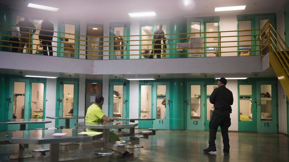 México extradita a EE.UU. a presunto homicida buscado desde 1987 - Cárcel Central de San Diego, California. Foto de The San Diego Union Tribune