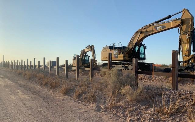 Construcción del muro fronterizo amenaza a especies en extinción en Arizona - Construcción del muro fronterizo en Arizona. Foto de The Republic