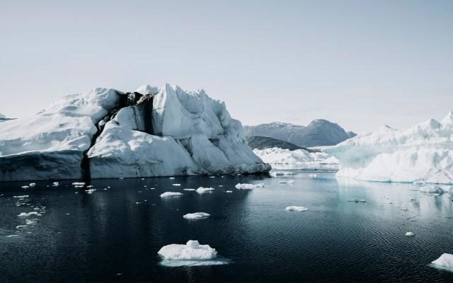 Groenlandia pierde hielo siete veces más rápido que en la década de 1990 - Deshielo en Groenlandia. Foto de Annie Spratt / Unsplash