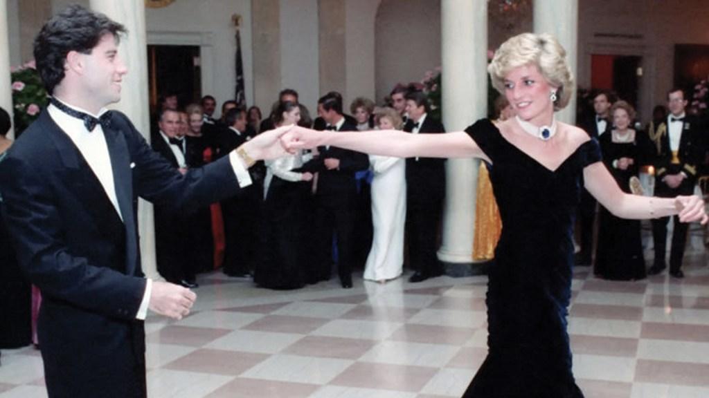 Subastan vestido de Diana con el que bailó con John Travolta - Foto de Kerry Taylor Auctions
