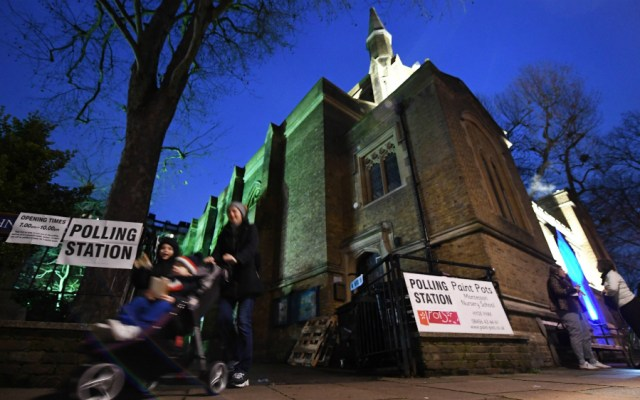 Conservadores obtienen 365 escaños en elecciones generales británicas - Foto de EFE
