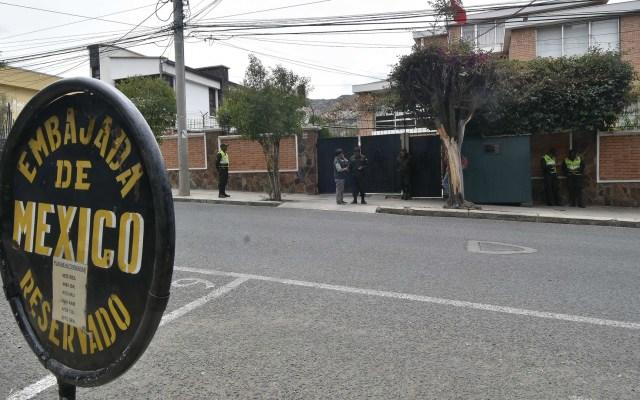 Nuevo Gobierno de Bolivia decidirá estado de acogidos en Embajada de México - Embajada de México en Bolivia. Foto de EFE / Archivo