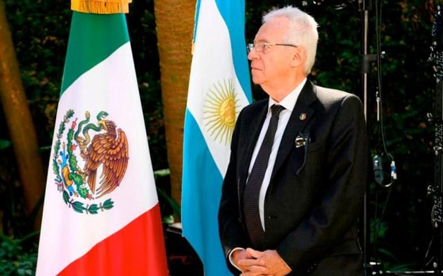 Lamentable y dolorosa la renuncia del Embajador Ricardo Valero, señala López Obrador - Embajador Óscar Valero regresa a México tras presunto robo de libro