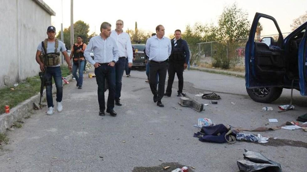 Suman 21 muertos por enfrentamientos en Villa Unión, Coahuila - Gobernador Miguel Riquelme en inspección de daños en Villa Unión por ataque de grupo armado. Foto de @GobDeCoahuila