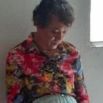 Detienen a hombre que se vistió de mujer para pasar la prueba de manejo de su madre