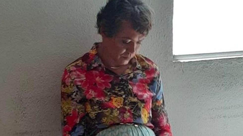 Detienen a hombre que se vistió de mujer para pasar la prueba de manejo de su madre - Hombre se viste de mujer para hacer la prueba de manejo de su madre