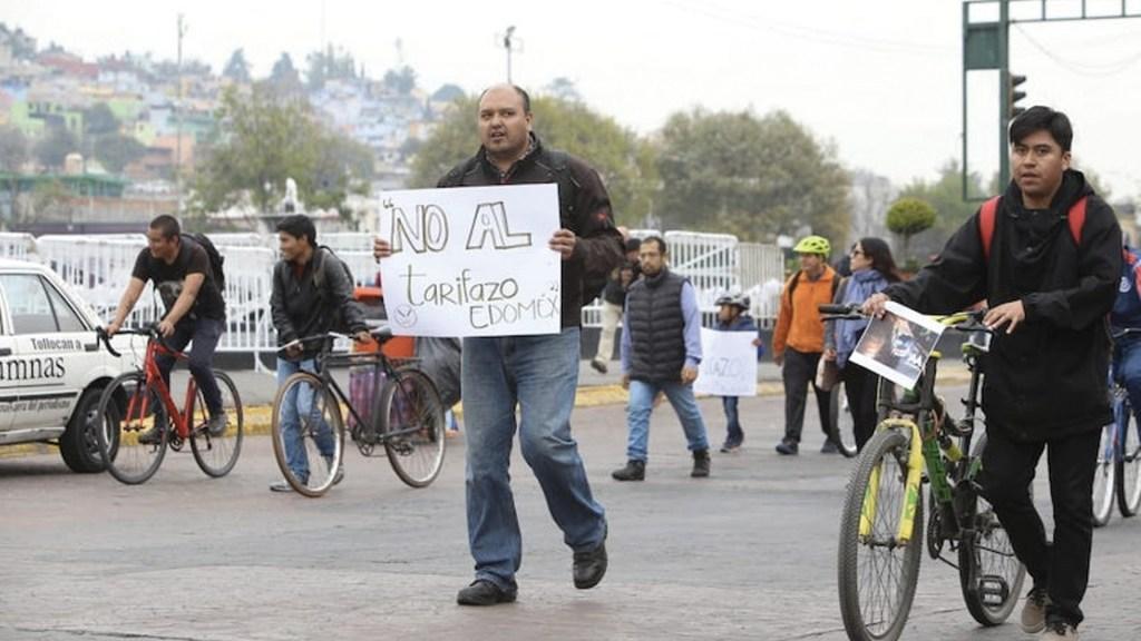 Protestan por alza en tarifas de transporte público en Edomex - Foto de Ordenador Político Edomex