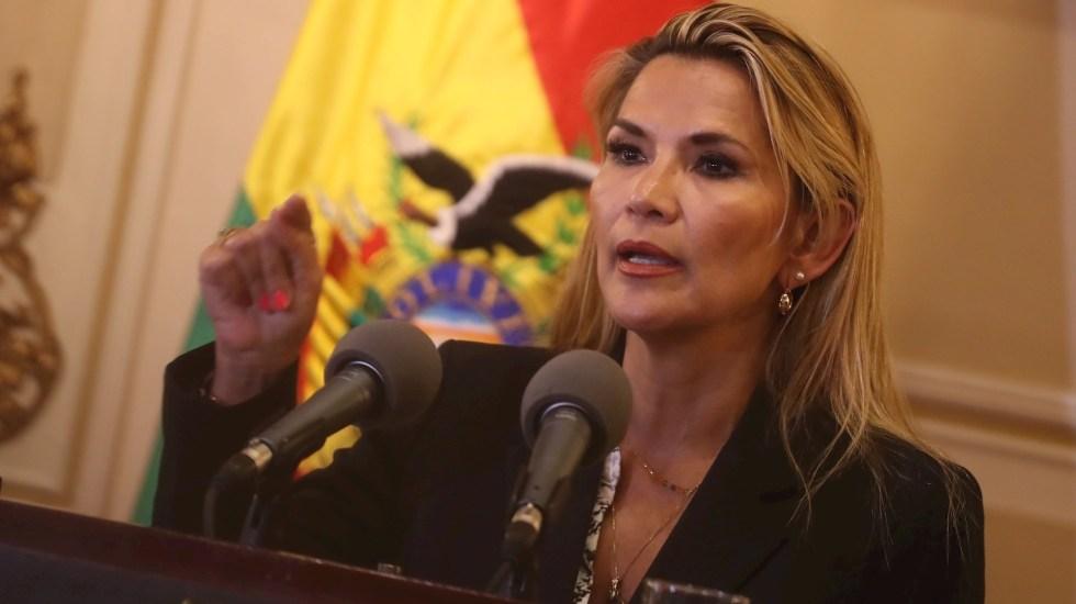 Tribunal Electoral exige a Áñez no usar Presidencia interina de Bolivia para promocionarse - En la imagen, la mandataria interina de Bolivia, Jeanine Áñez. EFE/Rodrigo Sura/Archivo