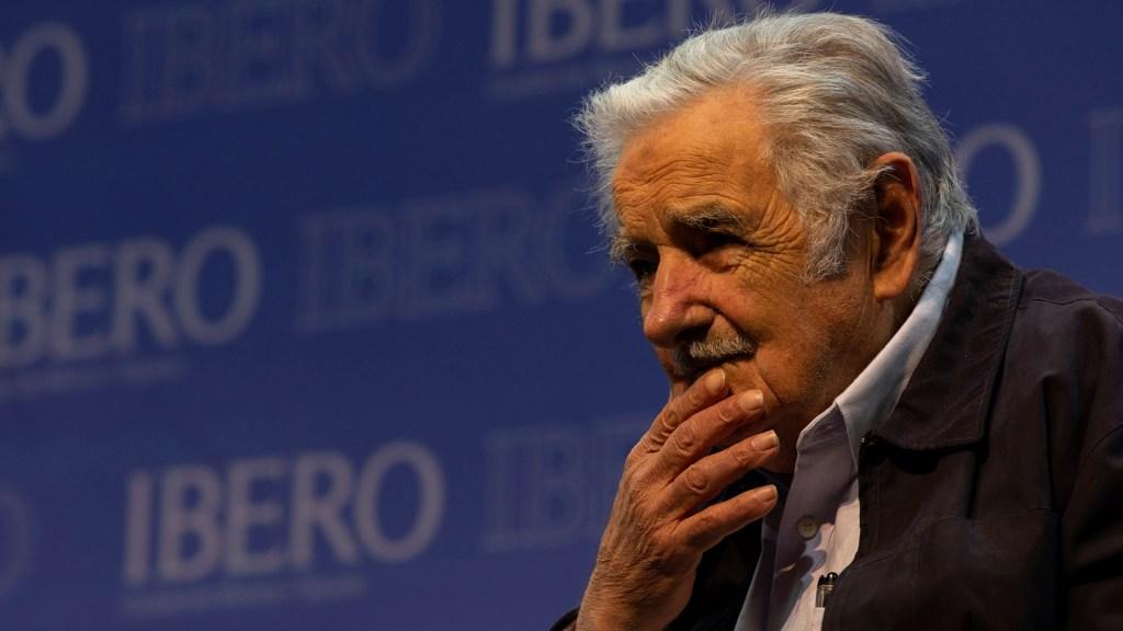 """AMLO y Bolsonaro """"dejaron pastorear"""" al COVID-19, expresa José Mujica - José Mujica. Foto de Notimex"""