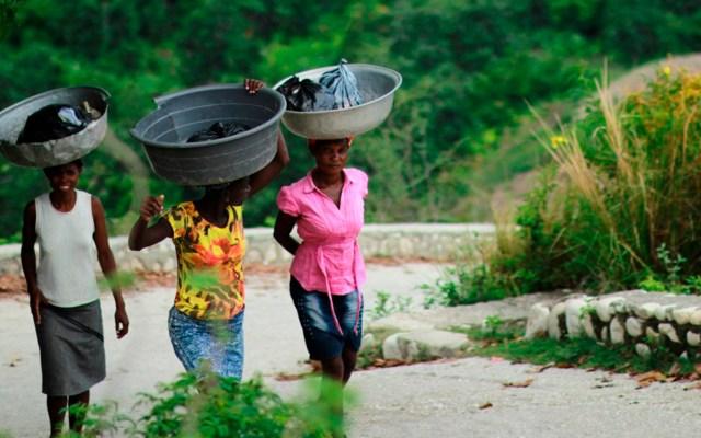 Mujeres se vuelven vulnerables ante la crisis climática - Las mujeres son las que más padecen la crisis climática. Foto de Bailey Torres / Unsplash