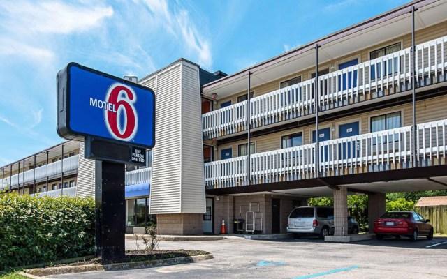 Migrantes denuncian a motel de EE.UU. por delatarlos con autoridades - Motel 6 en Estados Unidos. Foto de Booking