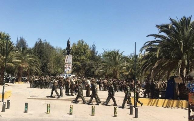 Gobierno de Chile desplegó a un millar de policías para desactivar protestas - Foto de @Chileokulto