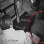 #Video Pasajero muere al frustrar asalto en combi del Estado de México