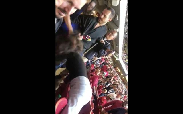 #Video Mujeres pelean a golpes en partido Rams vs Cardinals - Pelea Rams Cardinals partido NFL 01